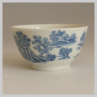 Worcester teabowl with pavillion pattern